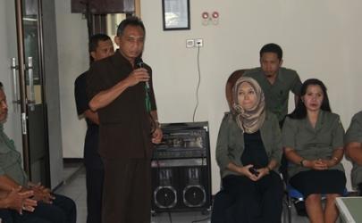 PEMOTONGAN KUE HUT MAHKAMAH AGUNG REPUBLIK INDONESIA KE-69