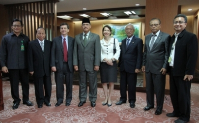 KETUA MAHKAMAH AGUNG RI MENERIMA KUNJUNGAN US GOVERNMENT CHARGE D'AFFAIRES FOR INDONESIA